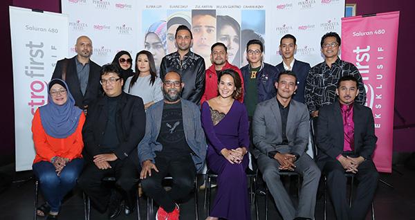 Barisan pelakon, pengarah dan penerbit muzikal drama 'Permata Hati' yang kini boleh ditonton di Astro First Eksklusif (saluran 480).