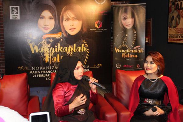 Noraniza dan Tyka mempersembahkan single 'Wangikanlah Hatimu' pada majlis pelancaran dan sidang media baru-baru ini.