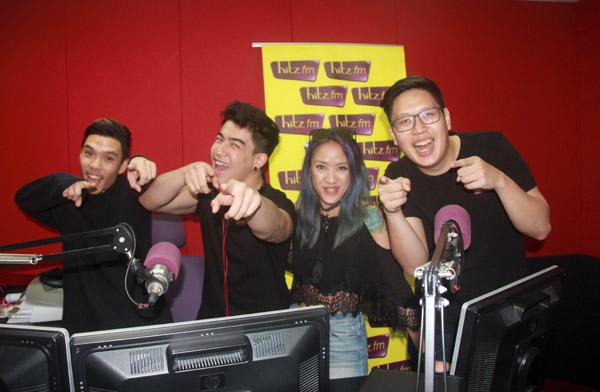 Penyampai radio Hitz.fm Kuching (kiri ke kanan) Kiyoshi, Zachary, Natasha dan Nehemia.