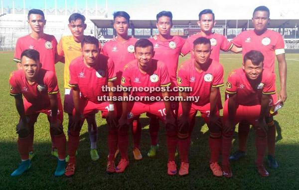 Barisan kesebelasan utama skuad B Sarawak menentang Kedah semalam.