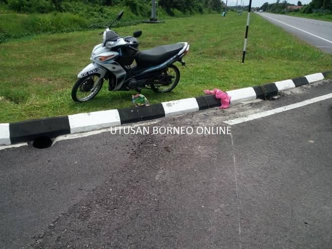 Keadaan motorsikal mangsa di tempat kejadian.