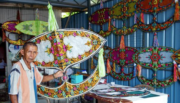 Wau bulan 'sayap' untuk ke luar negara | Utusan Borneo Online