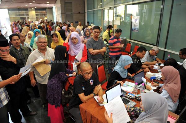 Orang Ramai Serbu Booth Jabatan Akauntan Negara Untuk Semak Wang Tidak Dituntut Utusan Borneo Online