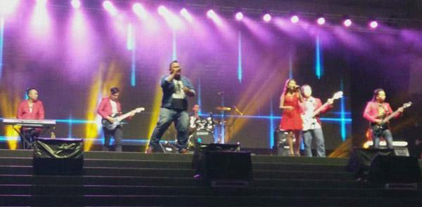 Rockschool semasa satu persembahan di pentas Dataran Sibu Fasa Satu dalam baru-baru ini.