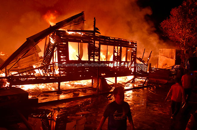 104 Gambar Rumah Orang Kampung HD Terbaru