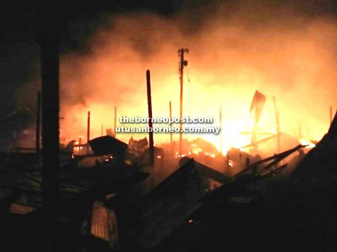 Beberapa rumah musnah dalam kebakaran di Kampung Sebuan Besar, Jepak, Bintulu awal pagi semalam.