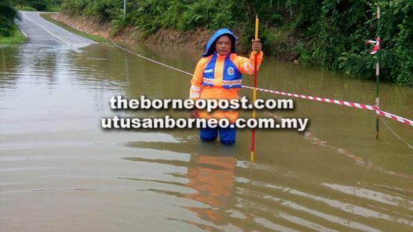 Jalan masuk ke Bunu, Skrang dinaiki air sedalam tiga kaki.