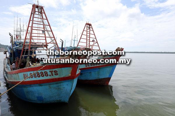 Dua bot nelayan Vietnam bersama ikan segar dianggarkan seberat 21 tan dirampas untuk bahan bukti.