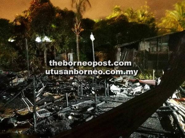 Keadaan rumah tersebut yang musnah sepenuhnya dalam kebakaran tersebut semalam.