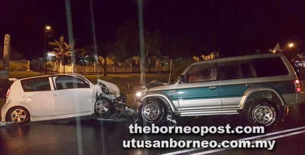 Keadaan tiga kenderaan selepas terlibat kemalangan di Jalan Datuk Mohd Musa dekat Kota Samarahan.