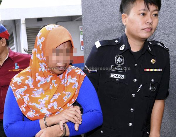 Seorang ibu tunggal berusia 39 tahun dijatuhi dipenjara 75 tahun oleh Mahkamah Sesyen di Johor Bahru, semalam, selepas mengaku bersalah terhadap 10 pertuduhan menganiaya dan melacurkan dua anak kandungnya awal Oktober lalu. — Gambar Bernama
