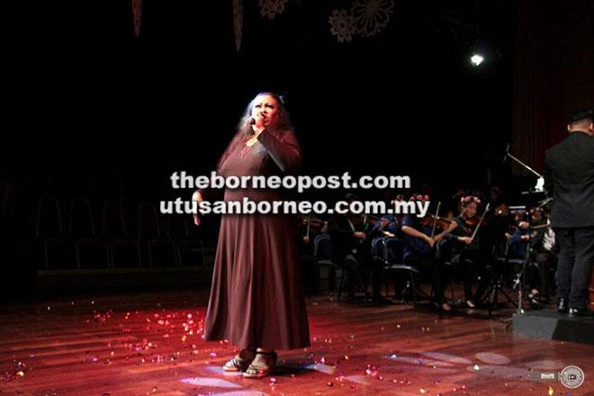 Persembahan mantap dan bertenaga Winnie di 'Home Concert' UNIMAS baru-baru ini