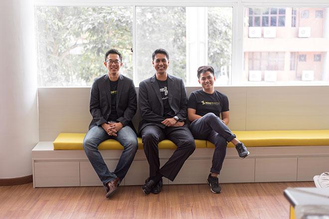Pengasas-pengasas MoneyMatch (dari kiri) Adrian Yap, Naysan Munusamy dan Ahmad Fazil Ahmad Fuad.