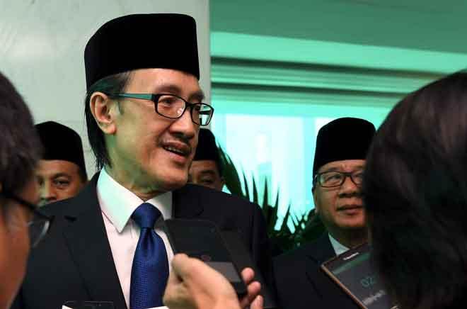 Masidi pada sidang media di DUN Sabah semalam. — Gambar Bernama