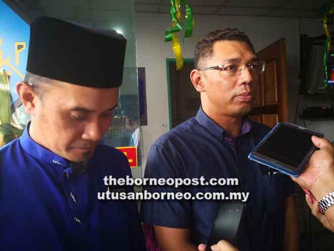 Arfian menjawab soalan pemberita, di samping Ketua Cawangan LPKP Tawau Ediyantto T Eddie.