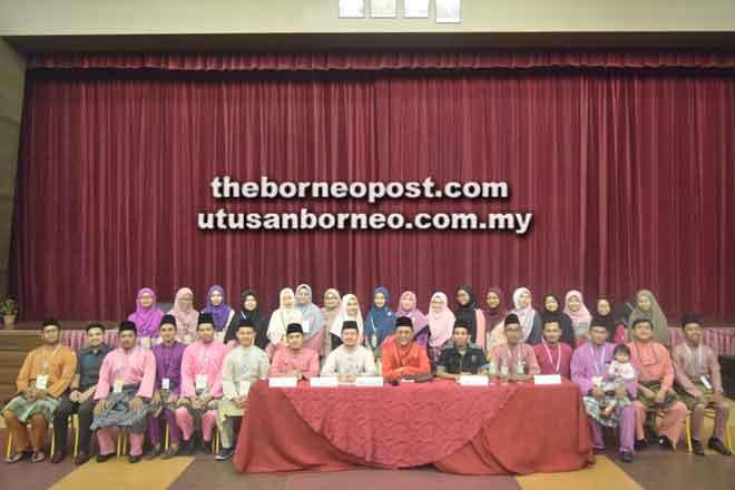 Barisan kepemimpinan ahli jawatankuasa kerja ABIM Negeri Sarawak yang baharu untuk sesi 2018/2019.