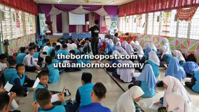 Sebahagian pelajar yang mengikuti program 3S anjuran PERKEPIS di SK Samariang pada 2 Oktober lalu.