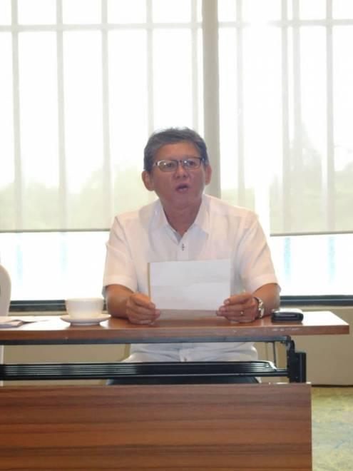Bakrie bercakap pada sidang media di Kuching hari ini.