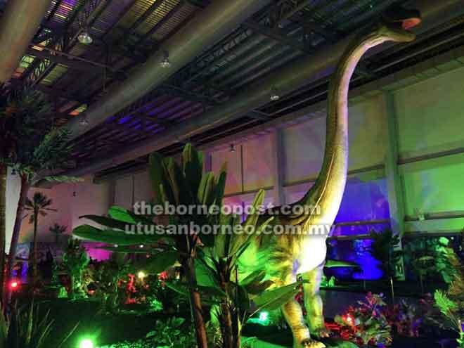 Antara dinosaur yang dipamerkan kelak.