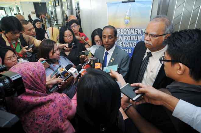 M Kula Segaran menjawab pertanyaan media selepas Forum Undang-Undang Pekerjaan 2018, semalam. — Gambar Bernama