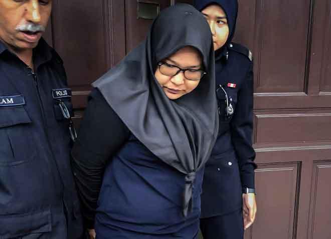 Wan Fatihah mengaku tidak bersalah di Mahkamah Sesyen, Ipoh, semalam atas 40 pertuduhan pecah amanah membabitkan RM68,463.35 pada Mei dan Julai tahun lepas. — Gambar Bernama