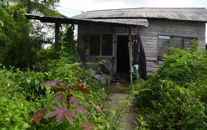 Rumah usang kediaman Fah Hin bersama mendiang Kiom Joong.