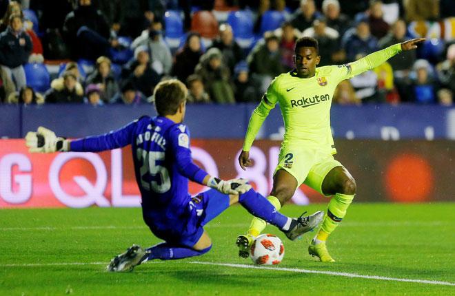 Antara babak-babak aksi perlawanan pertama Copa del Rey di antara Levante dan Barcelona di Ciutat de Valencia, Sepanyol. — Gambar Reuters