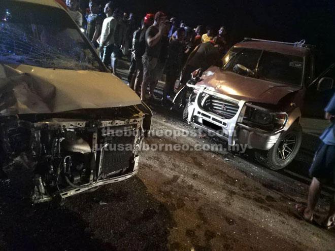 Keadaan kedua-dua kereta selepas kemalangan tersebut.