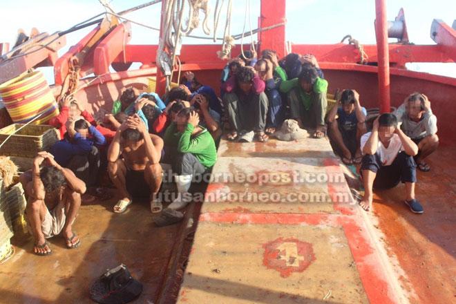 Kesemua 29 warga Vietnam ditahan kerana menceroboh perairan negara.
