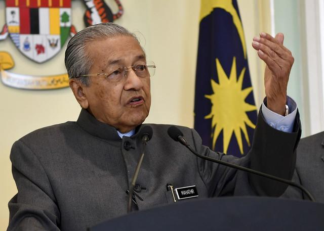 Kerajaan Akan Lihat Syor Kpn Mengenai Gaji Polis Pangkat Rendah Utusan Borneo Online