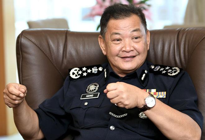 Abdul Hamid Bador ketika sesi temu bual eksklusif bersama Bernama di Ibu Pejabat Polis Bukit Aman semalam. — Gambar Bernama
