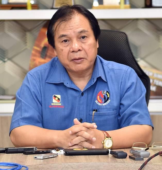 Menteri Muda Pengangkutan Datuk Dr Jerip Susil mengumumkan keluar daripada Parti Sarawak Bersatu (PSB) berkuat kuasa kelmarin.