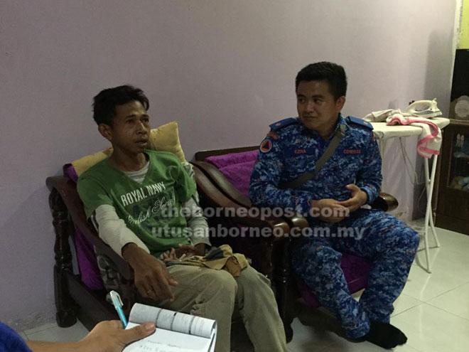 Mangsa semasa ditemui anggota penyelamat di rumah rakannya di Kampung Bukit Baki.