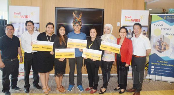 USAHAWAN tempatan yang berjaya memenangi geran bantuan menerusi Program Shell Livewire.