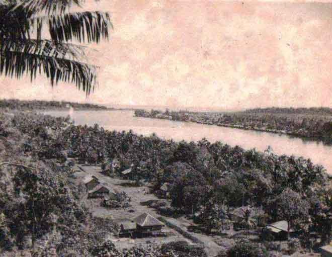 Keadaan perkampungan terpencil Bintulu yang lama satu ketika dahulu.