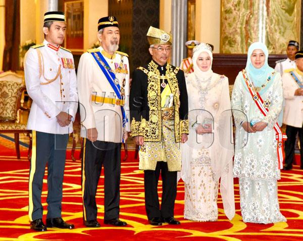Tyt Sabah Hadiri Istiadat Pertabalan Agong Ke 16 Utusan Borneo Online