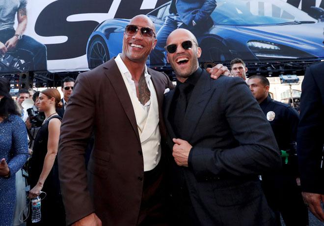 Hobbs & Shaw' di Los Angeles, California pada 13 Julai lepas. Filem 'Fast & Furious' berjaya menyingkirkan 'The Lion King' dari tangga teratas carta box office Amerika Utara selepas memperolehi kutipan jualan tiket yang dianggarkan sebanyak AS$60.8 juta pada hujung minggu. — Gambar Reuters
