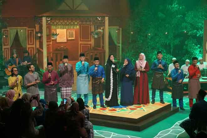 Semua artis yang menjayakan Konsert Jalan Firdausi di TV1 malam ini.