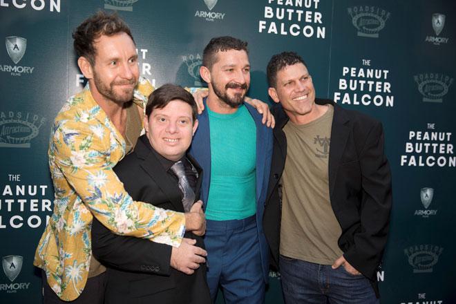 Penulis dan pengarah Tyler Nilson, Zack Gottsagen, Shia LeBeouf dan penulis dan pengarah Michael Schwartz semasa tiba di tayangan filem 'The Peanut Butter Falcon' di Los Angeles baru-baru ini. — Gambar Reuters