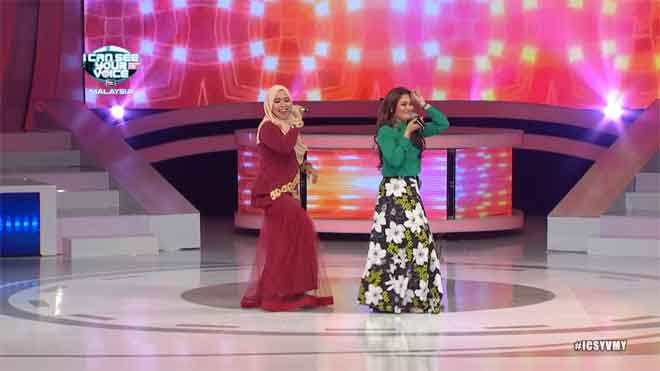 Norafheda Madrigal dan Mas Idayu berduet. — Gambar ihsan TV3