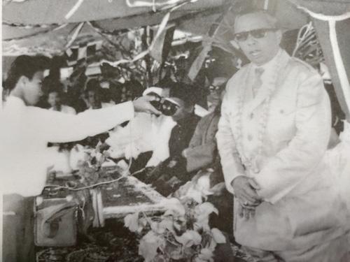 Affandi semasa membuat liputan majlis dihadiri Yang di-Pertua Negeri yang pertama Tun Openg selepas penubuhan Malaysia.