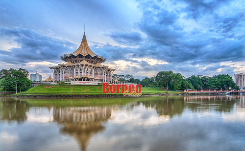 Bangunan DUN yang ikonik ini adalah tempat di mana 82 wakil rakyat berhimpun untuk Sidang DUN. Pada usia 152 tahun, ia merupakan institusi perundangan paling tua di negara ini. – Gambar Muhammad Rais Sanusi