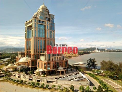 Bangunan Pusat Pentadbiran Kerajaan Negeri Sabah (PPNS) menjadi lambang usaha pembangunan di negeri ini.