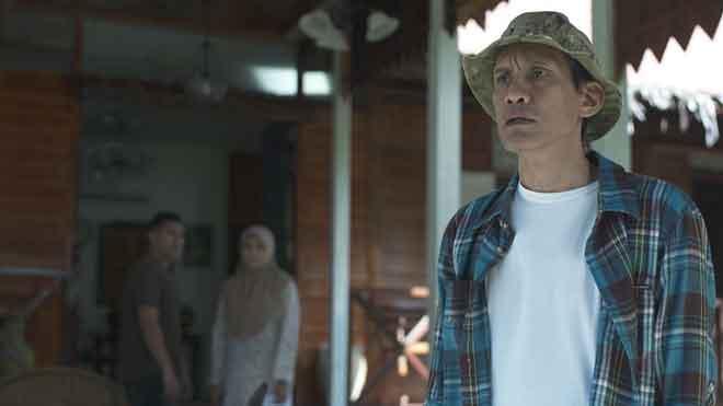 Faizal Hussein lakonkan watak seorang lelaki yang garang dan panas baran dalam 'Samad Tedung'.