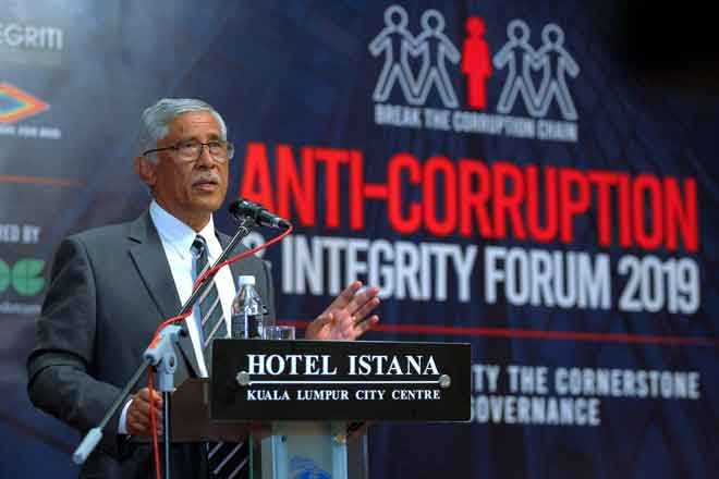 Abu Kassim berucap pada 'Anti-Corruption And Integrity Forum 2019' di Kuala Lumpur, semalam. — Gambar Bernama