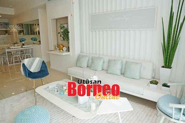 Ruangan kediaman bangunan paling tinggi di Borneo 'The Peak Condominium Homes', Bintulu membawa kemewahan di dalam bandar industri itu.