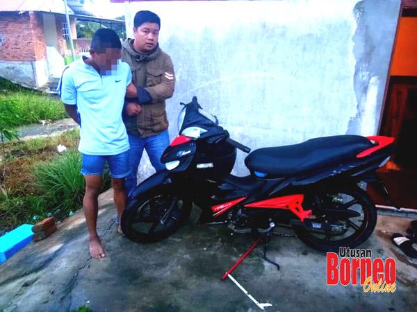Salah satu motosikal yang berjaya dirampas semula semasa penahanan suspek.