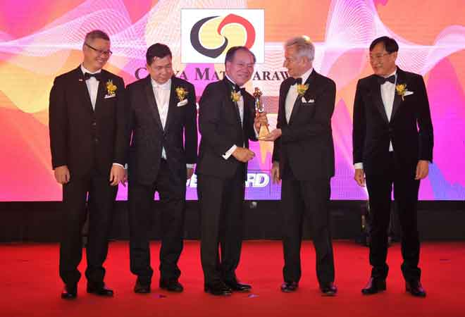Isaac Lugun menerima Anugerah BrandLaureate 2019.