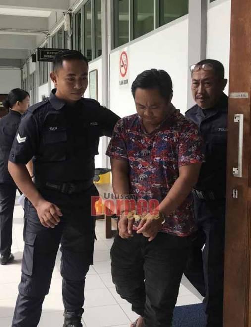 Mandy dibawa keluar dari mahkamah setelah dijatuhkan hukuman.