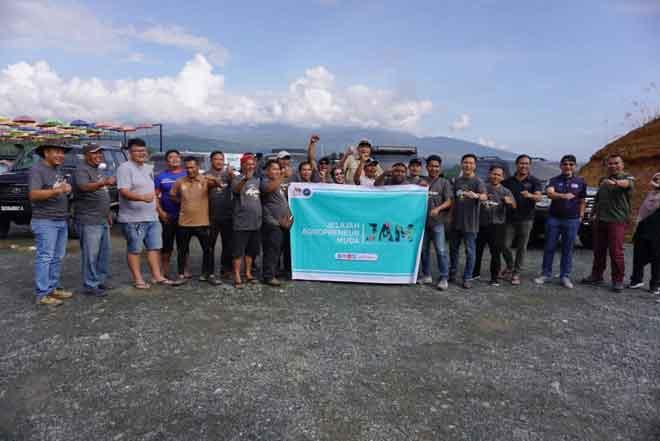 Ahli rombongan MOA yang menjayakan Program Jelajah Agropreneur Muda Sabah.